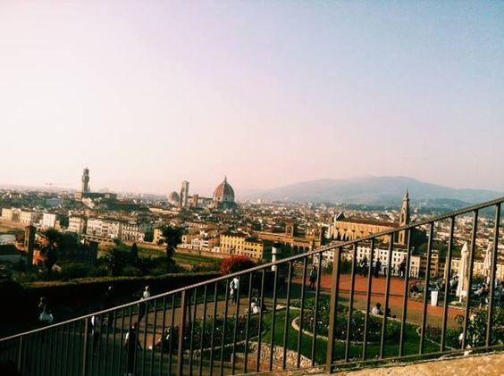 Uma imagem pra deixar essa sexta mais linda! A bela cidade de Florença na Itália. #MOODpelomundo #useMOOD
