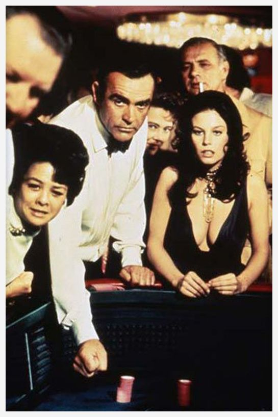 Les diamants sont éternels http://www.vogue.fr/joaillerie/red-carpet/diaporama/diamants-a-l-ecran-films-bijoux-les-hommes-preferent-les-blondes-titanic/16912/image/895701#!les-diamants-sont-eternels-films-bijoux