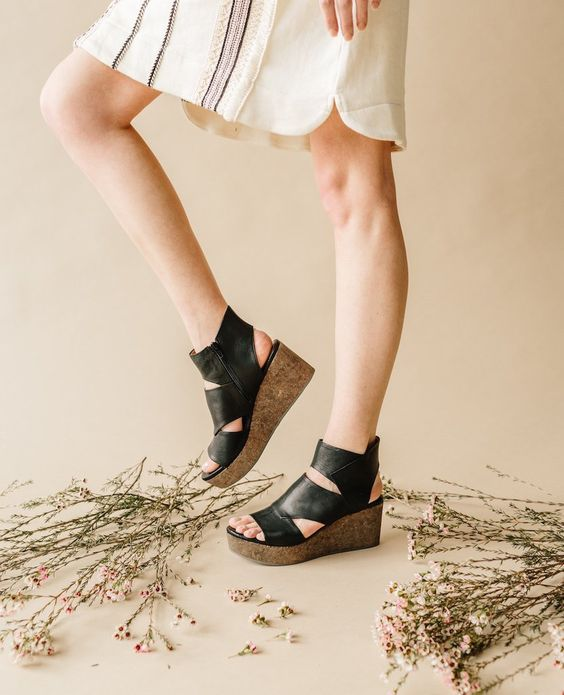 Gorgeous Shoes! More Colors - More Fall Fashion Trends To Not Miss This Season.