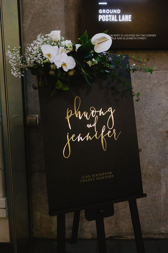 Stunning Black and Gold Theme Ideas to Use in Your Wedding, fbf33ca97c6bb3a9faf26827950b3211