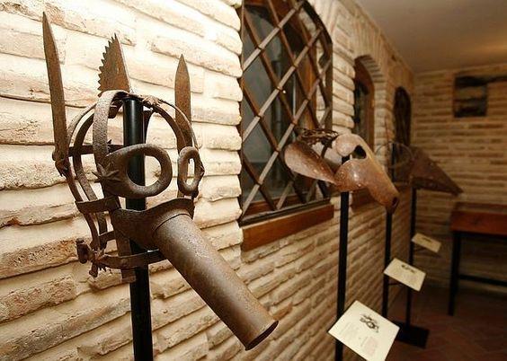 Instrumentos  de tortura reales Fbf40e970b25a93c5439be83a801dad5