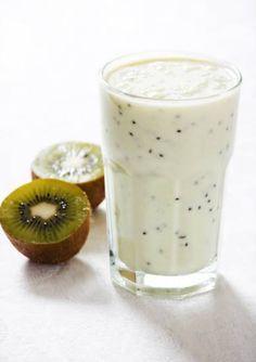 Ontbijt smoothie. Supergezonde ontbijtsmoothie kiwi-banaan