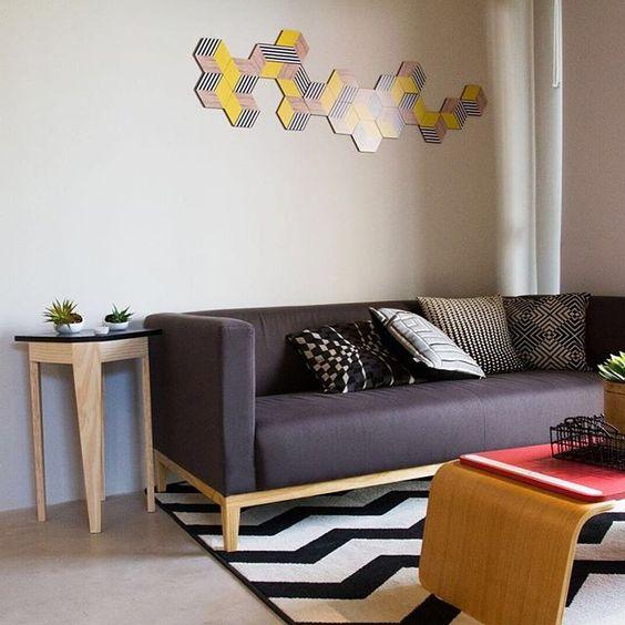 Nosso HEX Yellow foi usado nessa sala no decorado First Santana - Spin Empreedimentos