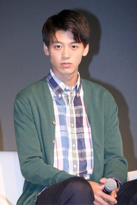 チェック柄シャツもすてきな竹内涼真のかわいい画像