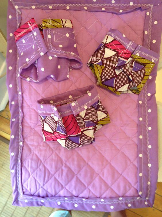 Accessoires de poupée pour Scarlette - Couverture/Tapis à langer et couches