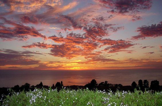 Sunset over the Pacific Ocean looking to the Channel Islands