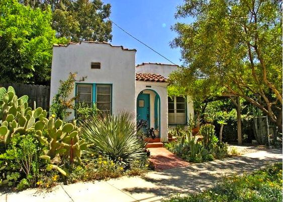 Spanish bungalow rare turquoise trim i suspect there for Spanish bungalow exterior paint colors