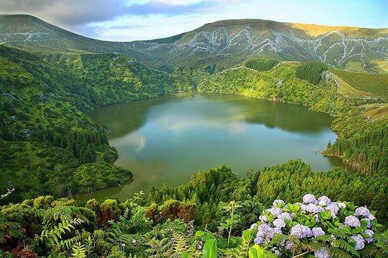 Lagoa Funda, Flores, Açores    By Joana Dias