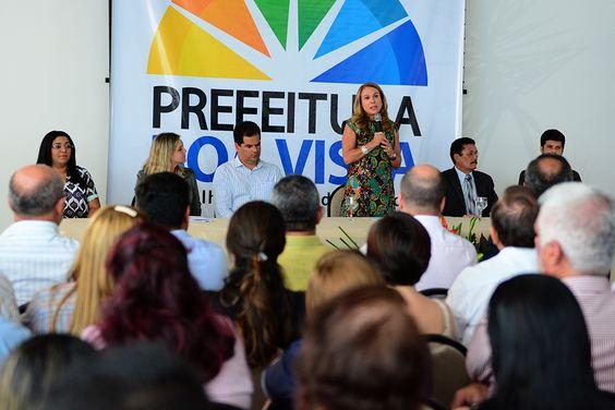 O menor salário base dos servidores administrativos incorporados na lei nº 712 da Prefeitura de Boa Vista passa a ser, a partir de fevereiro, de R$ 1.020. #pccr #teresasurita #boavista #roraima