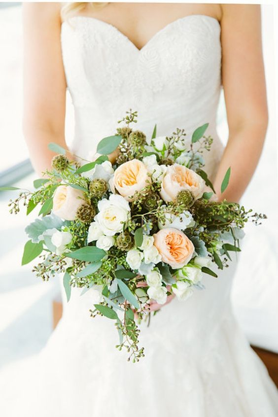 Summer mix of peach colored garden roses | Photography: Elizabeth And Rich - elizabethandrich.com/ Read More: http://www.stylemepretty.com/2014/10/29/whimsical-brooklyn-wedding-at-the-wythe-hotel-2/