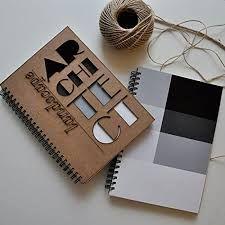 Libreta libro cuaderno de apuntes con portadas de madera bambu y varias figuras