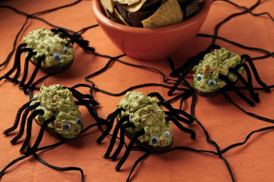 Spooky Ghoulish Guacamole! Get the recipe: http://www.avocadosfromchile.org/recipes/sauces-salsas-sides/ghoulish-guacamole/