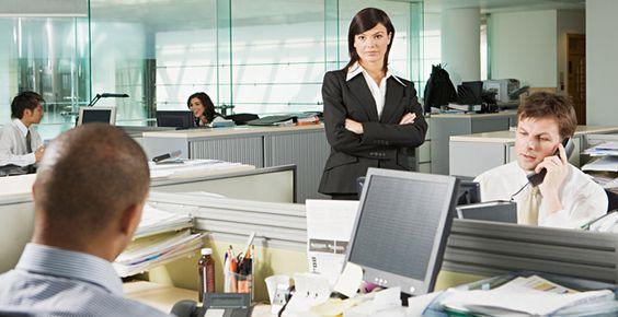 Cómo mejorar el compromiso de los empleados hacia la compañía