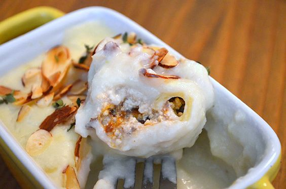 Conchilhones de tofu e ameixa ao molho de alho poró (vegan) - le pixel gourmet