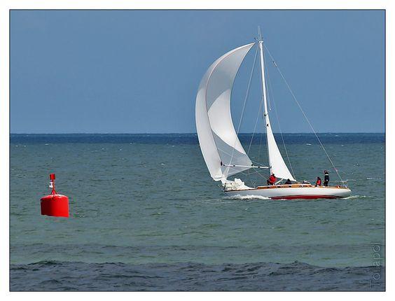 Belle Plaisance 2012 - en mer 1 :  depuis la pointe de Sainte Marine.... lumière très changeante