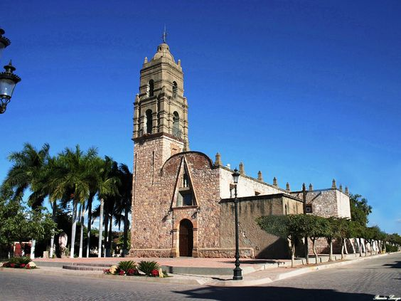 ¡Conoce su hermosa Iglesia de la Purísima Concepción! Ubicada en el corazón del centro histórico, es uno de los símbolos de Mocorito por su historia y tradición. #VisitSinaloa