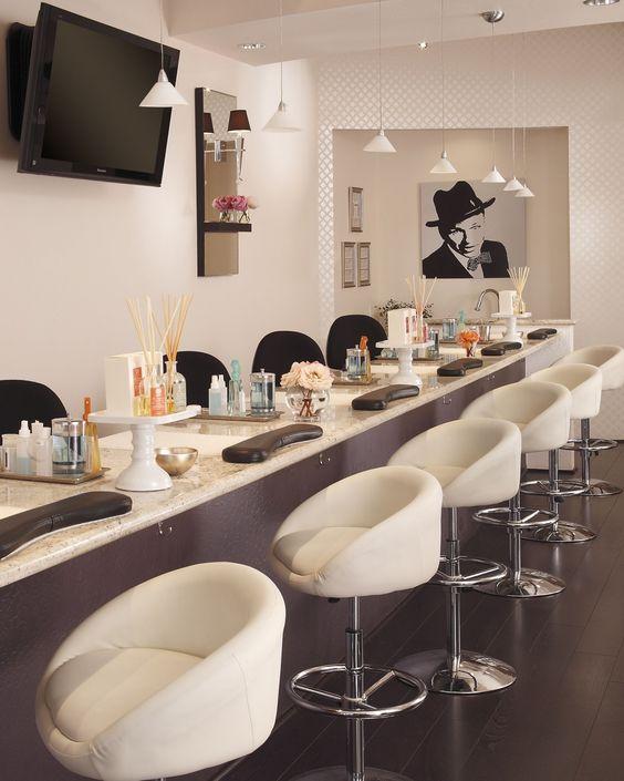 Điểm tên 5 tiệm làm nail đẹp và chất lượng nhất Quảng Trị