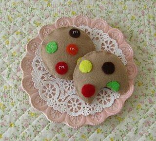 Felt M Cookies