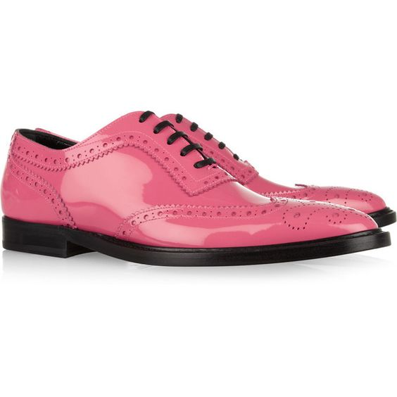 Dolce & Gabbana Patent-leather brogues (5 715 UAH) ❤ liked on Polyvore featuring shoes, oxfords, flats, обувь, pink shoes, bubblegum, pink flats, lace up oxford flats, flat shoes and patent leather shoes