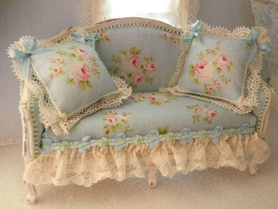 Beautiful Shabby Chic Sofa Decoration