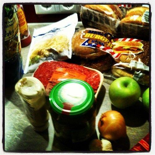 Du suchst schon länger nach einer Liste voller guter Lebensmittel? Vielleicht ist deine Suche hier beendet! #Ernährung