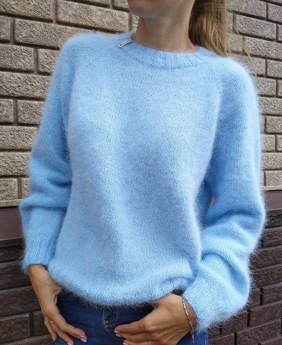 ... Свитерок из ангоры #ventoditalia уже  мчится  на встречу к своей обладательнице 💙💙💙 . Пока на наличие свитеров не будет ,горят заказы .…