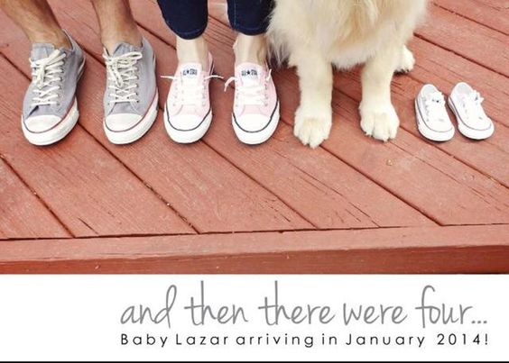 Adorable family pregnancy announcement idea! May take quite the pet photographer to make Fido sit still...