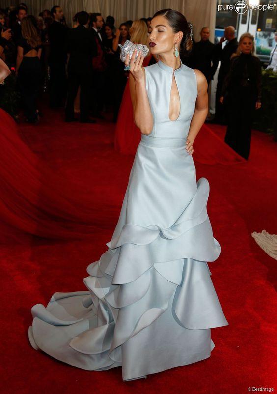 """Lily Aldridge assiste au Met Gala 2015, vernissage de l'exposition """"China: through the looking glass"""", au Metropolitan Museum of Art. New York, le 4 mai 2015."""
