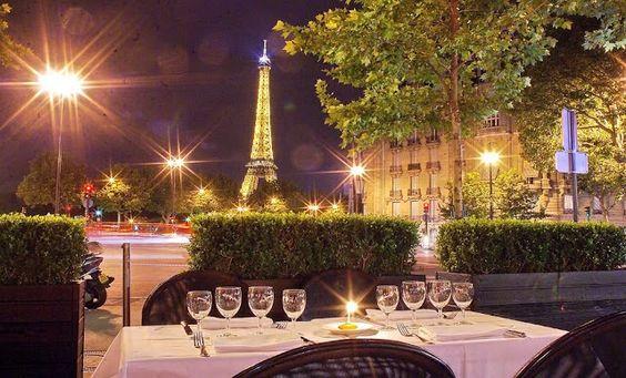 O luxo e a elegância do bistrôChez Francis de Paris! -