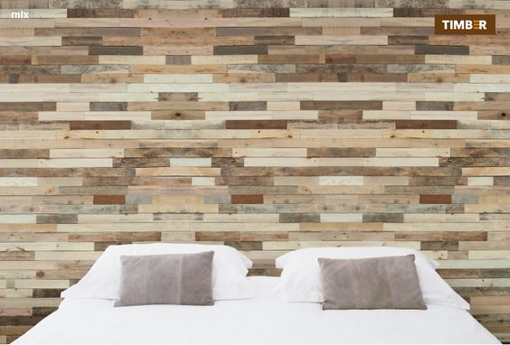 Vroeger had je steenstrips, nu zelfklevend hout! Wand van plakhout ...