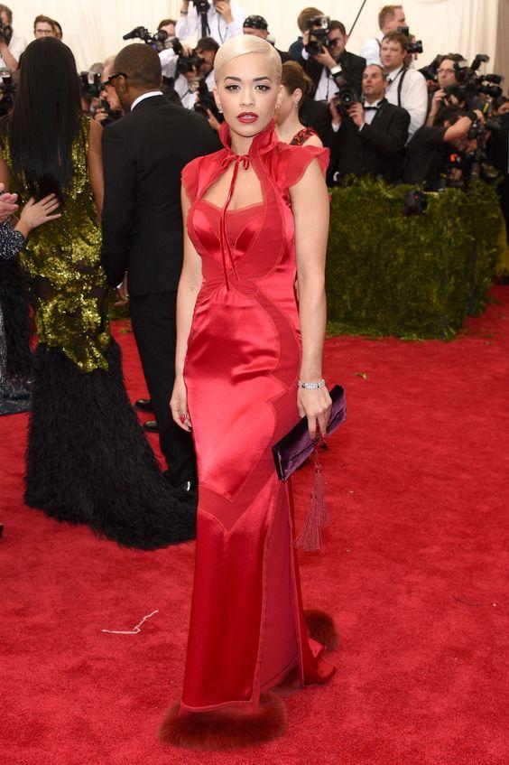 Tapete vermelho: todos os looks do Met Gala 2015 - Rita Ora