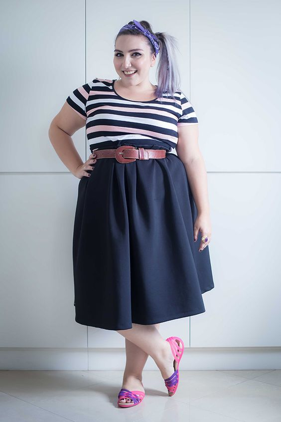 Look plus size retrô.