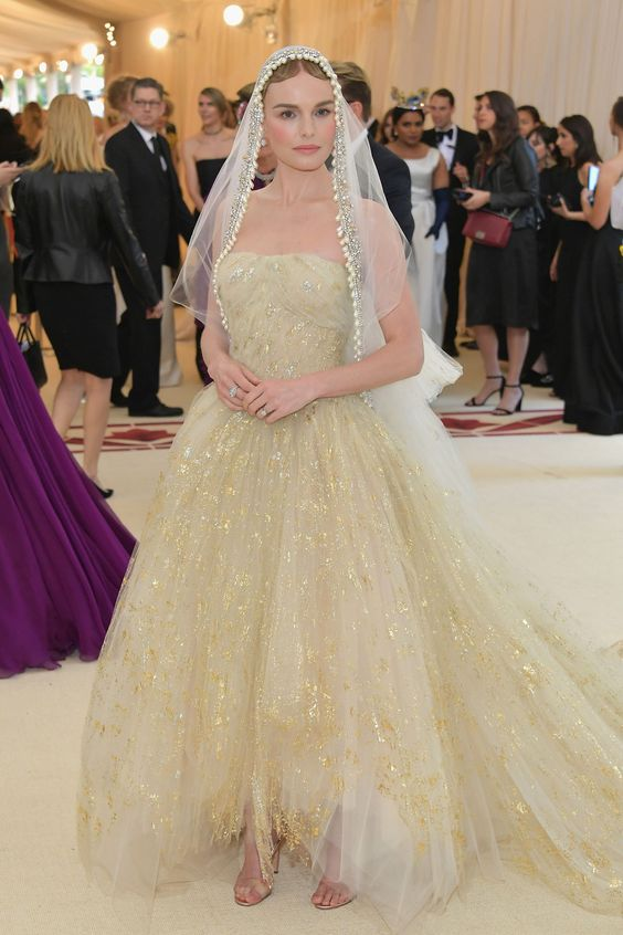 Kate Bosworth Recreated Her Bridal Look for the Met Gala Red Carpet - HarpersBAZAAR.com