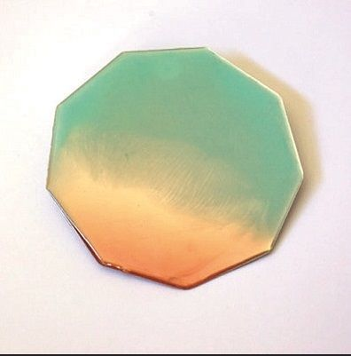 Expo FEU - pole bijou - Nevin Arig - broche bleu orange: