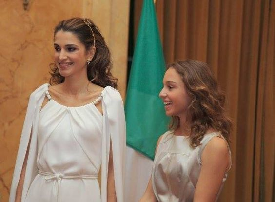 Rainha Rania da Jordânia  e sua filha