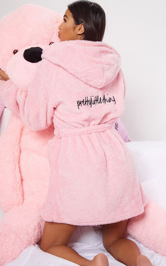 PRETTYLITTLETHING Pink Fluffy Dressing Gown VALENTINES WISHLIST SOYVIRGO.COM | FLUFFY ROBE
