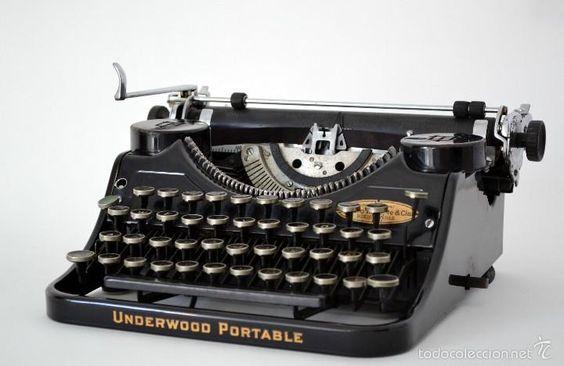 Preciosa Maquina de escribir Underwood Portable Arturo W.boote & CÍA Buenos…