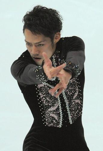 ショートプログラムで4位につけた高橋大輔さん長野市のビッグハットで2009年11月6日