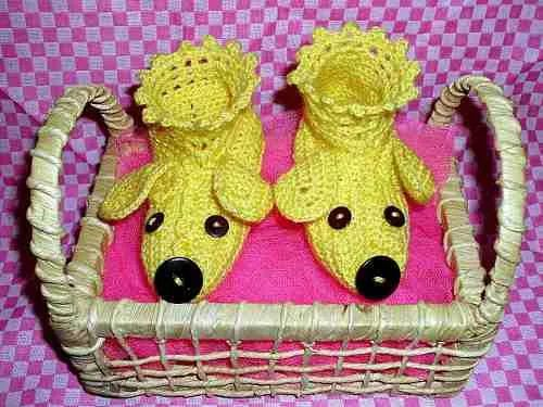 Sapatinhos De Bebê Em Crochê - R$ 15,00