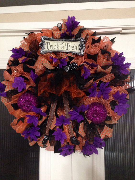 Halloween witch created and designed by Ronda Cromeens. XL very full detailed. 60$