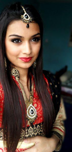 Traditional #Bangladesh-i inspired #Fashion look http://makeupatoz.com/: