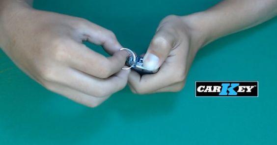 thay pin khóa xe mercedes
