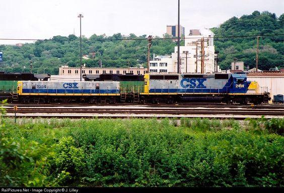 RailPictures.Net Photo: CSX 2414 CSX Transportation (CSXT) EMD SD40-2 at Cincinnati, Ohio by J. Lilley