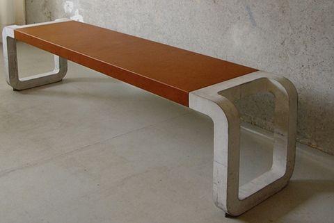 Bank und Tisch aus Beton