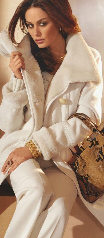 Wonderful in white.  Via @nantsy3. #coats #white: