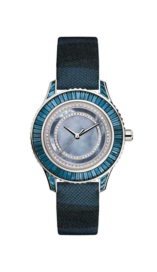La montre Dior Pièce Unique http://www.vogue.fr/joaillerie/le-bijou-du-jour/diaporama/la-montre-dior-piece-unique/9313#!3