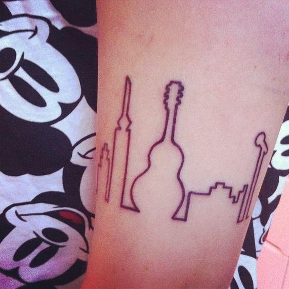 Så blev man lige tatoveret. #tattoo #tus #ny #tatovering #megaglad #wuhuu