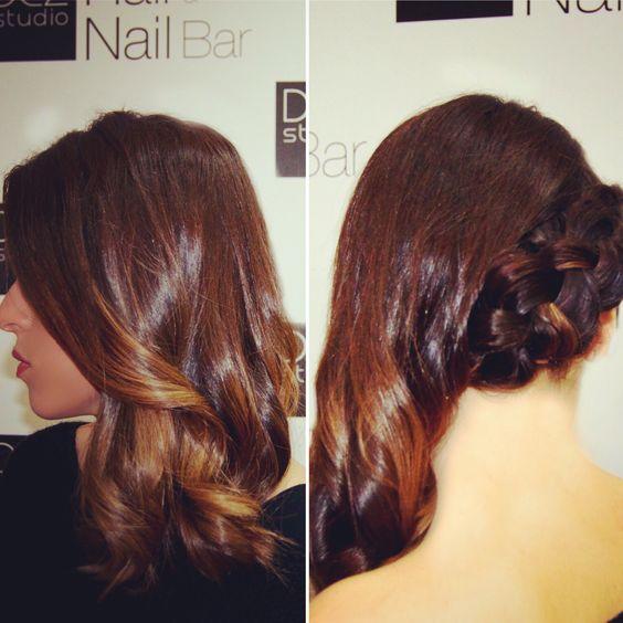 Ready, Set, Go! ⭐️⭐️⭐️⭐️⭐️ E que tal penteados em 30 mnts por 15€?#penteado #hair #hairstyle #christmashair #partylook @dezstudio