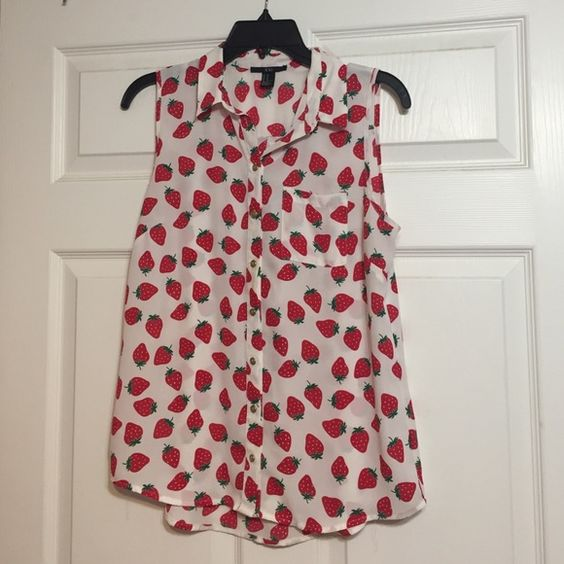 Strawberry shirt Super cute and perfect for spring! Forever 21 Tops Blouses