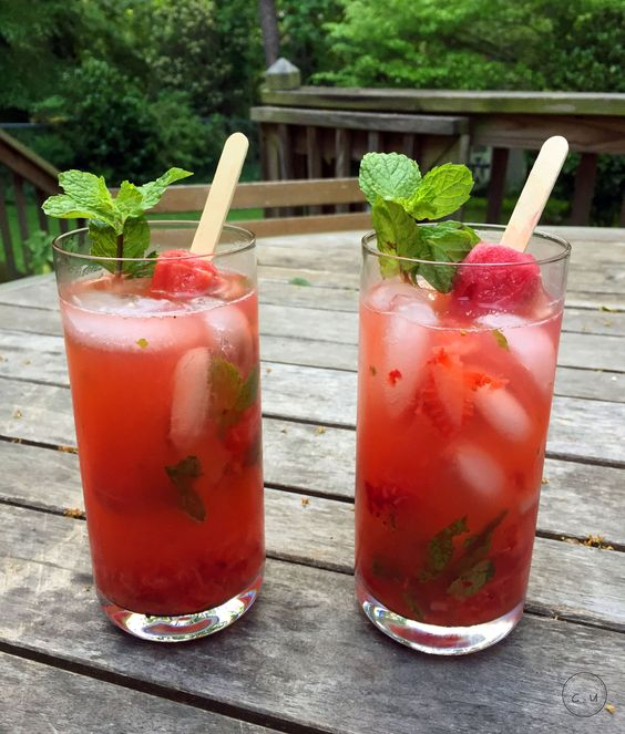 strawberry + popsicle mojitos | Cody Uncorked